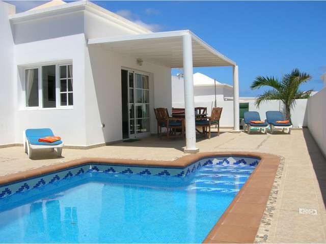 3 bed villa with fully heated private pool in Costa Teguise, Lanzarote